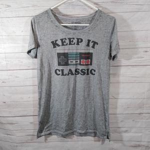 🎉 Nintendo gray graphic t-shirt